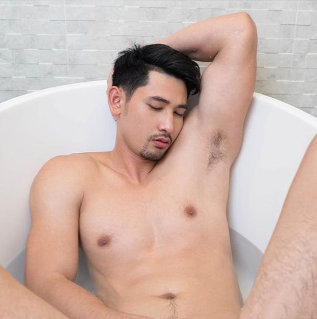 onyx magazine rome shower