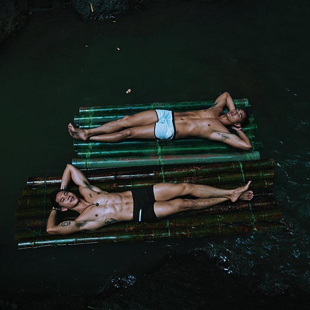 Ho Vinh Khoa boyfriend water
